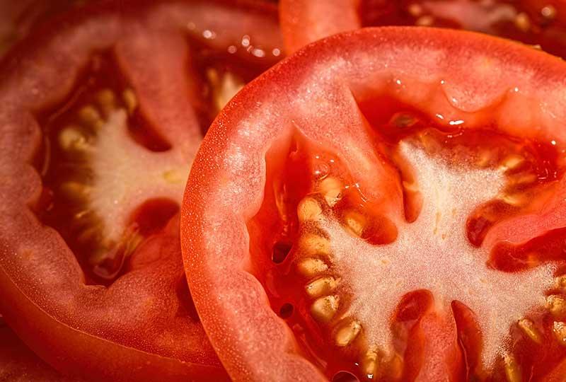 الطماطم لتفتيح الجسم
