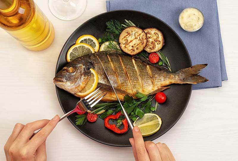 اتيكيت تناول السمك