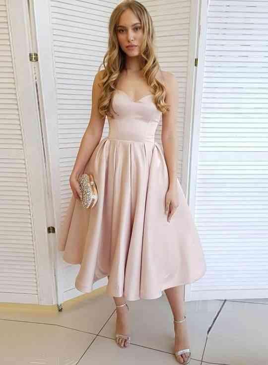 أنواع الفساتين فستان كوكتيل بينك