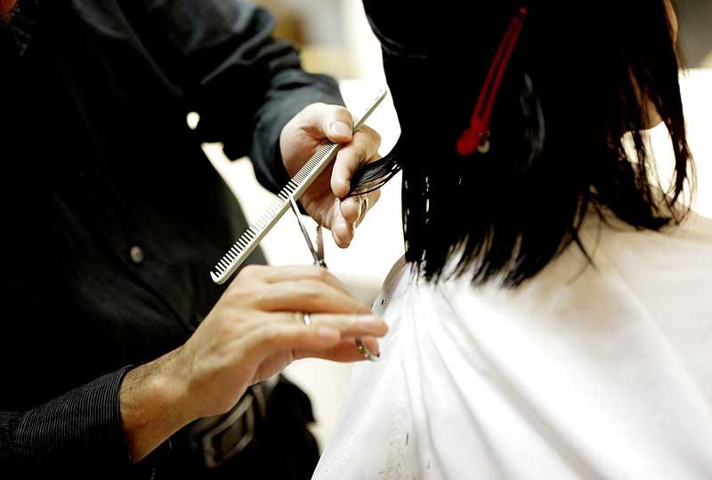 قص الشعر يساعد على النمو