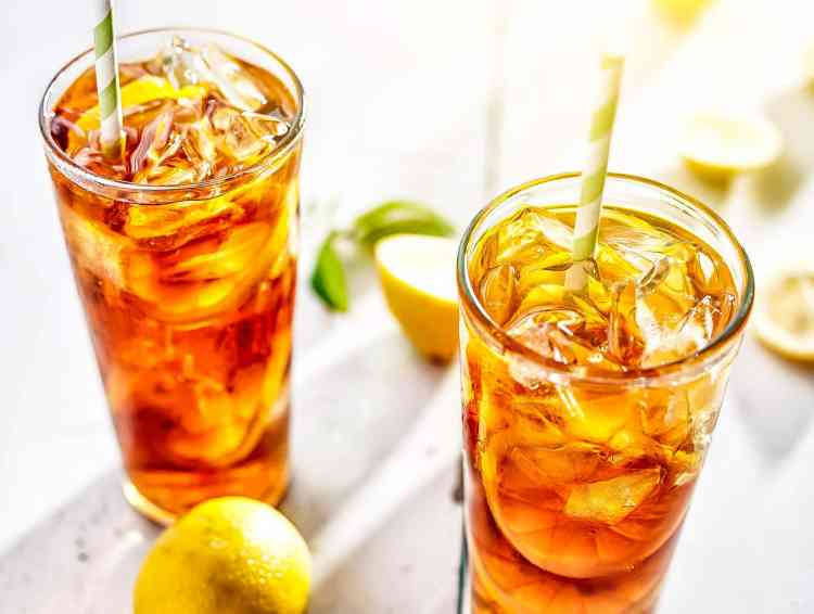 مشروبات صحية عصير الليمون مع الشاي