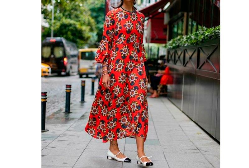 فستان أحمر مشجر