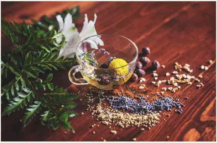 مقشر للبشرة الدهنية بالعسل واللوز