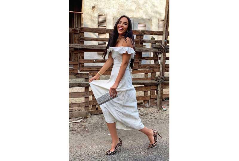 ملابس كاجوال للعيد فستان أبيض