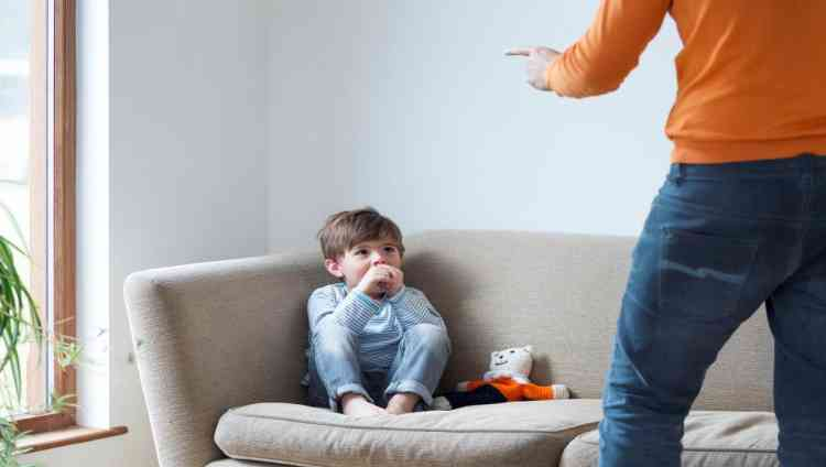 الإساءة لأطفال