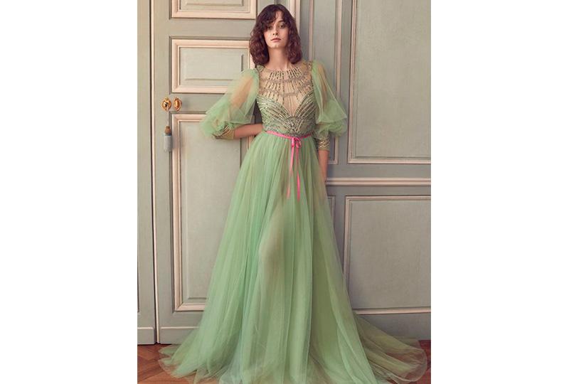 فستان خطوبة أخضر فاتح