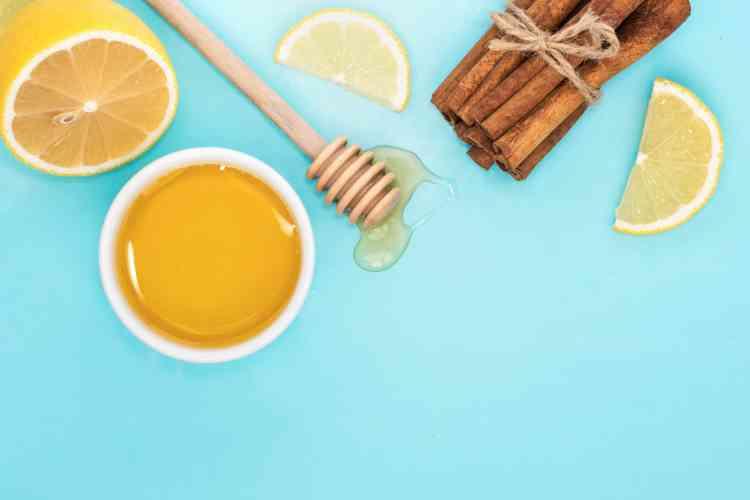 ماسك العسل واللبن البودرة لتفتيح البشرة