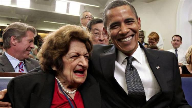 هيلين توماس مع الرئيس باراك أوباما
