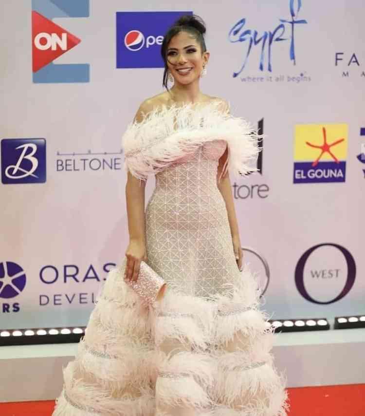 فستان منى زكي من مهرجان الجونة 2019