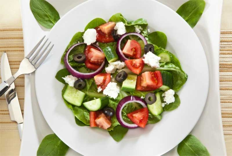 وجبات خفيفة للدايت سلطة يوناني