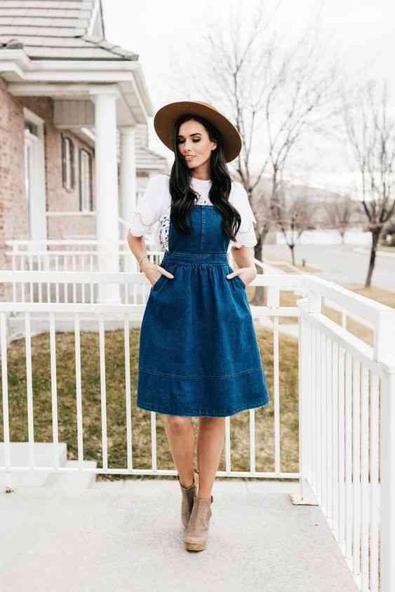 أنواع الفساتين فستان مريلة جينز