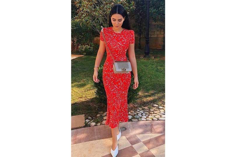 ملابس كاجوال للعيد فستان أحمر ضيق