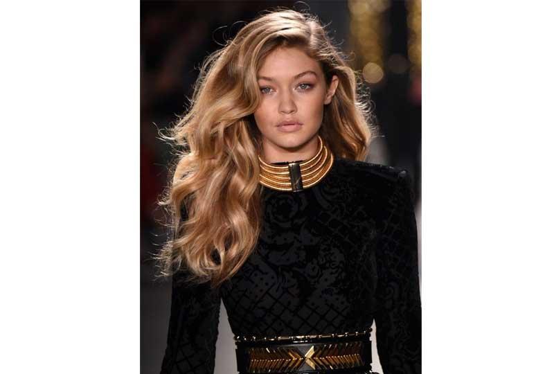 ألوان صبغات الشعر اللون القهوة والكراميل للشعر الطويل