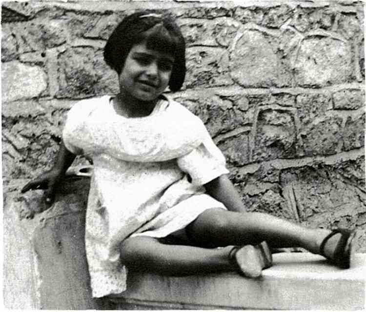 داليدا في طفولتها