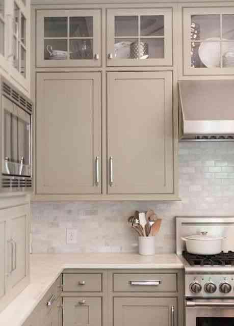 اللون الرمادي للمطبخ