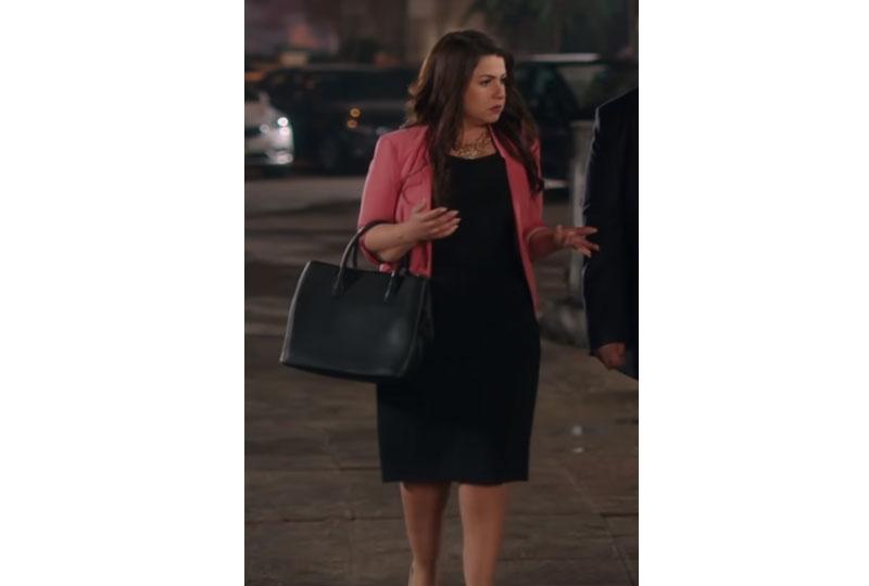 أزياء إنجي وجدان في مسلسل طلعت روحي بفستان أسود وبليزر
