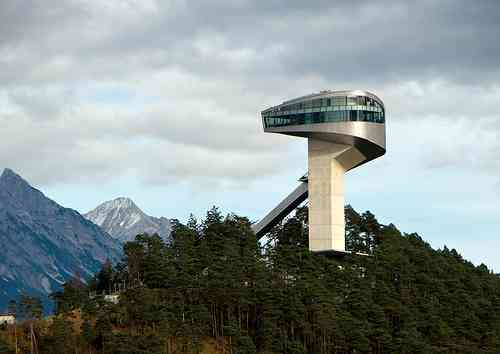 منصة التزحلق- النمسا من تصميم المعمارية زها حديد