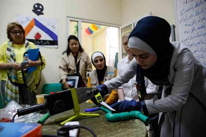 برامج الأمم المتحدة في مخميات اللاجئين والأردن