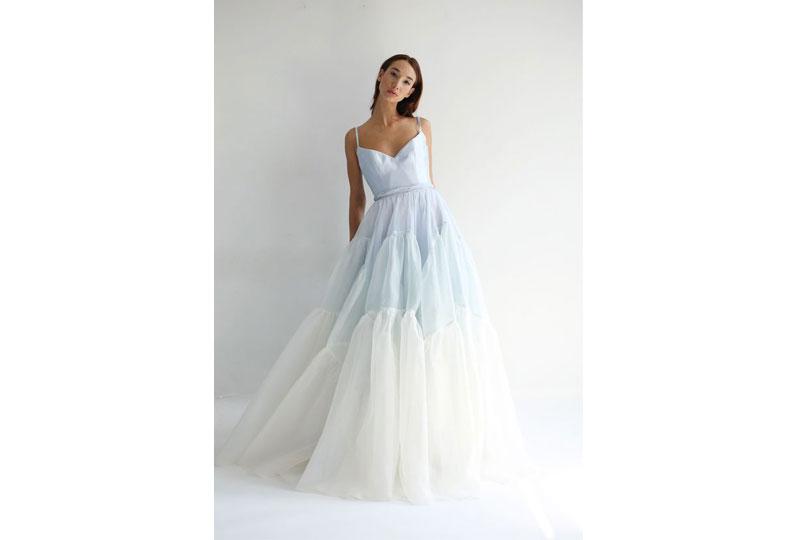 اللون الأزرق في صيحة فساتين زفاف 2019