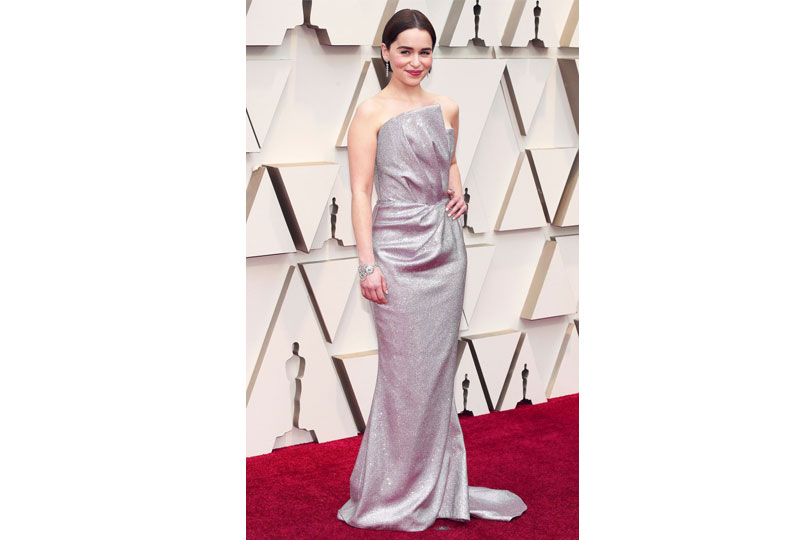 فساتين الأوسكار 2019 فستان إيمليا كلارك