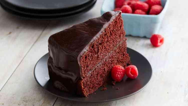 طريقة عمل الكيكة العادية بالشوكولاتة