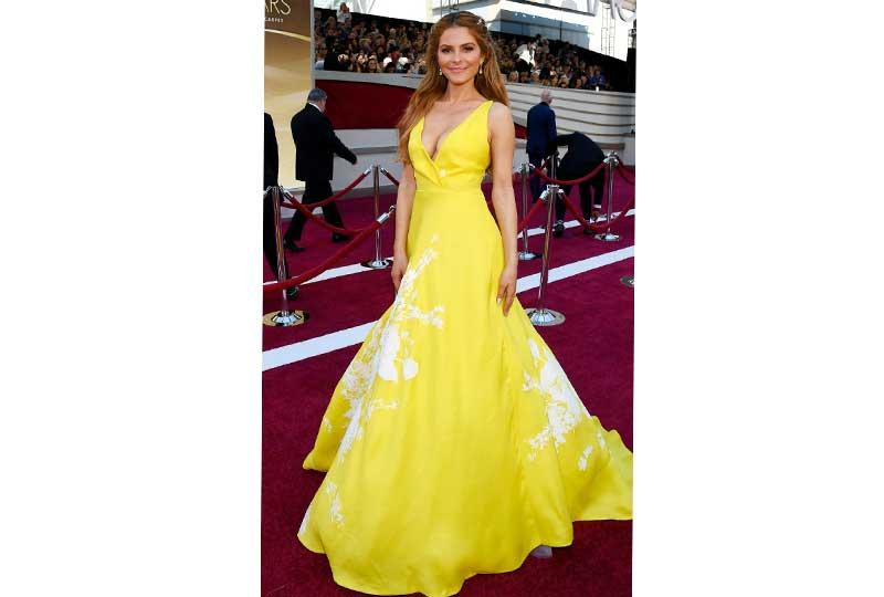 فساتين الأوسكار 2019 فستان ماريا مينونوس