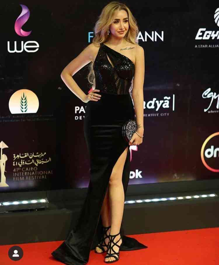 فستان هنا الزاهد في مهرجان القاهرة السينمائي 2019