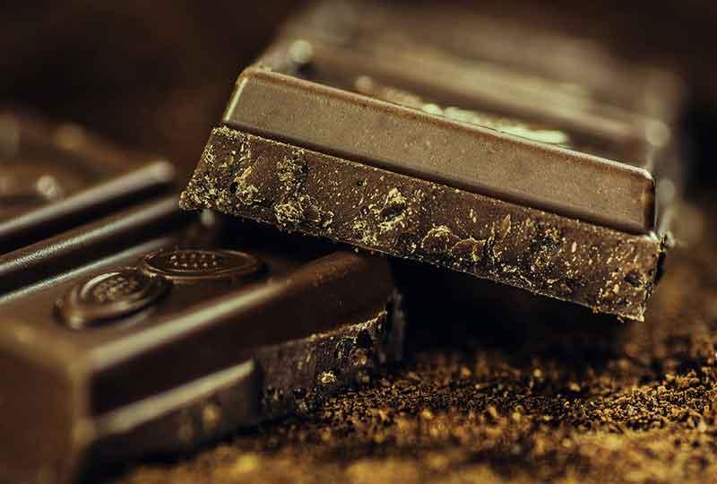 الشيكولاتة الداكنة مهمة لإمداد الجسم بالماغنسيوم