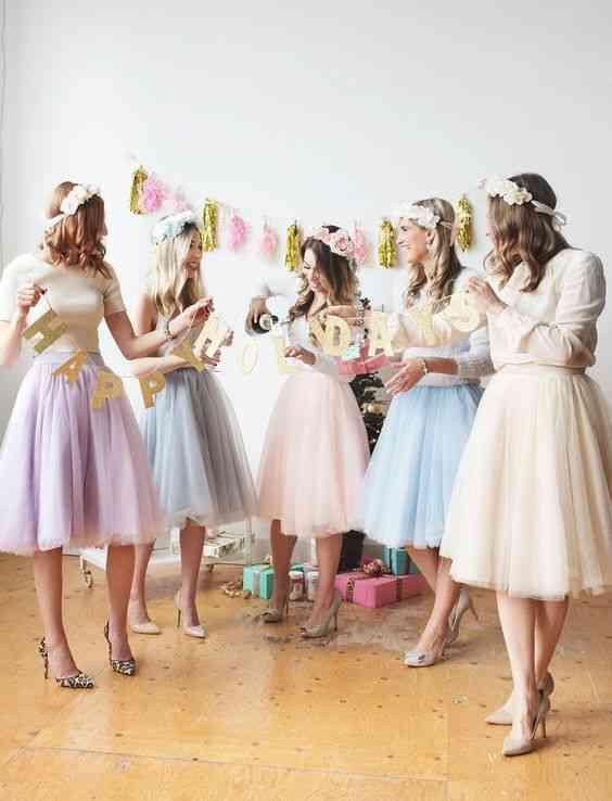 فساتين حنة لصديقات العروس