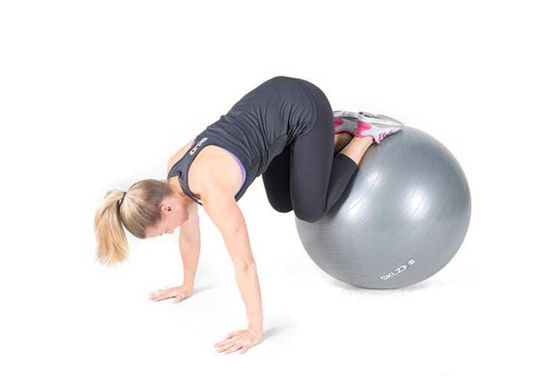 تمرين ثبات الكرة والركبة