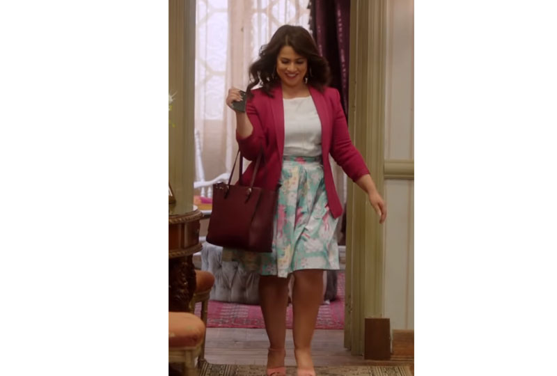 أزياء إنجي وجدان في مسلسل طلعت روحي بتنورة منفوشة