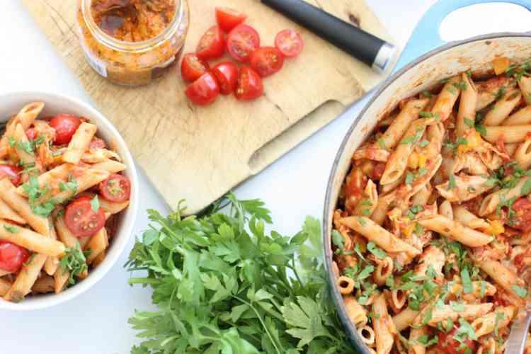 أكلات سريعة طريقة عمل المكرونة بالدجاج والخضروات