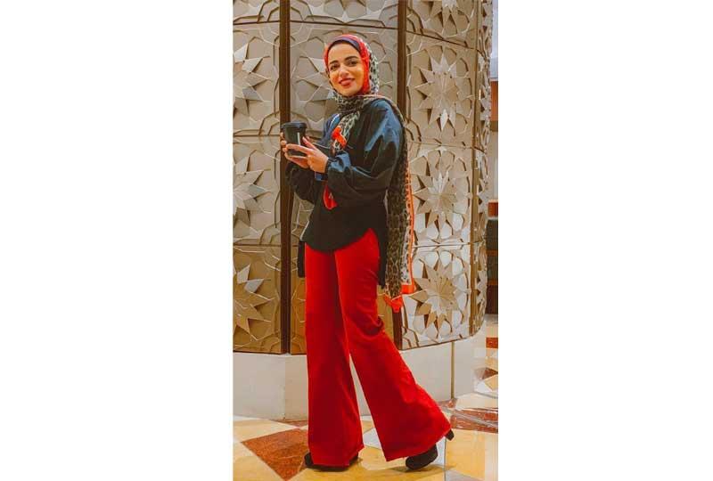ملابس كاجوال للعيد بنطلون واسع باللون الأحمر