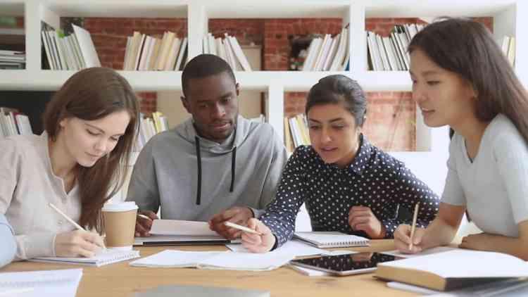 نصائح لطلاب الجامعة للحياة المهنية