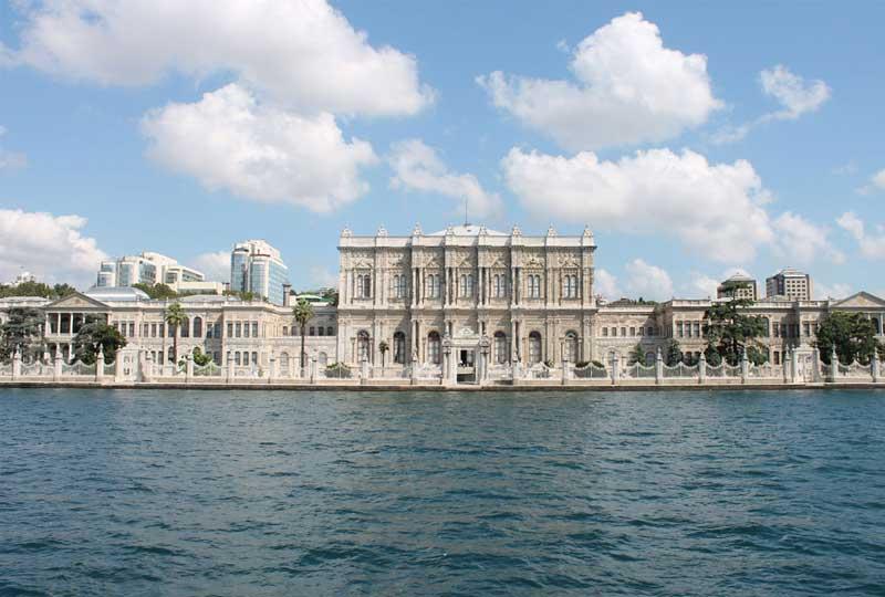 أماكن سياحية في تركيا قصر دولما بهجة