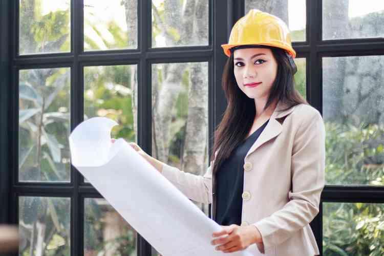 أعلى وظائف أجرا للنساء في 2020 مهندسة مدنية