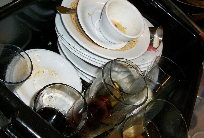 خطوات تنظيف المطبخ بعد عزومة رمضان
