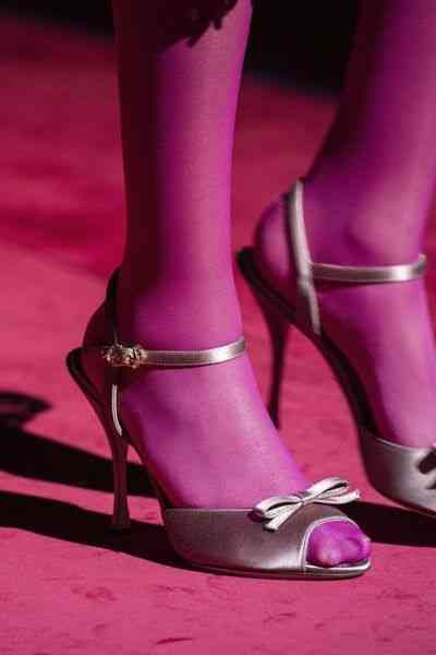 أحذية شتاء 2020 حذاء بكعب عالي بفيونكة