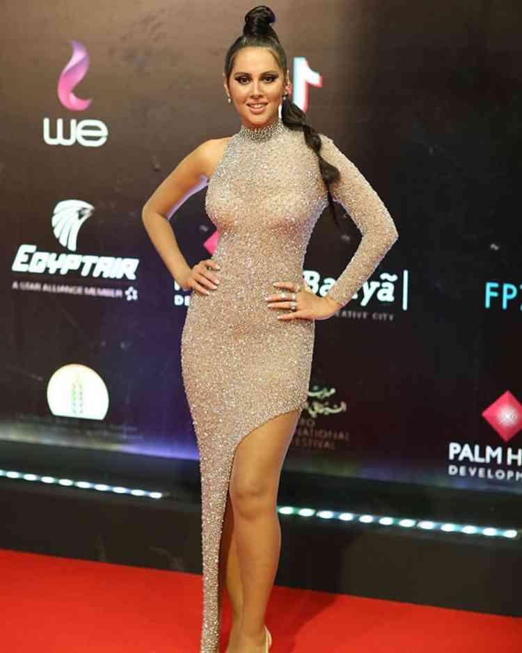 فستان ياسمين رئيس في مهرجان القاهرة السينمائي 2019