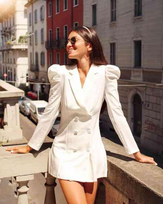 فستان بليزر أبيض