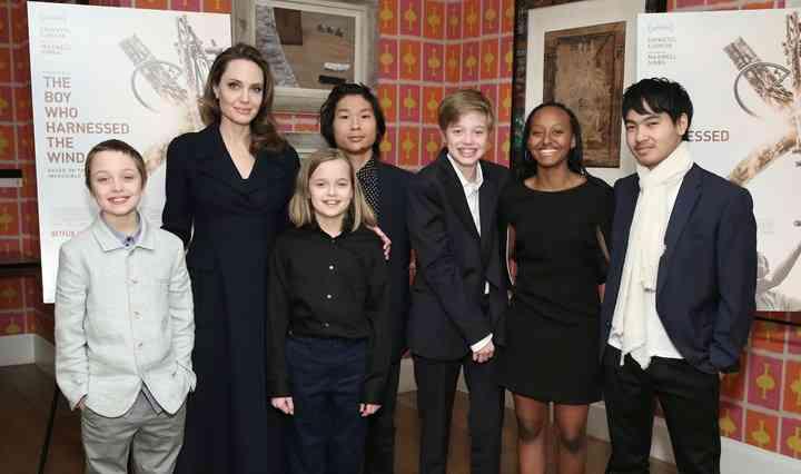 أنجلينا جولي وأطفالها
