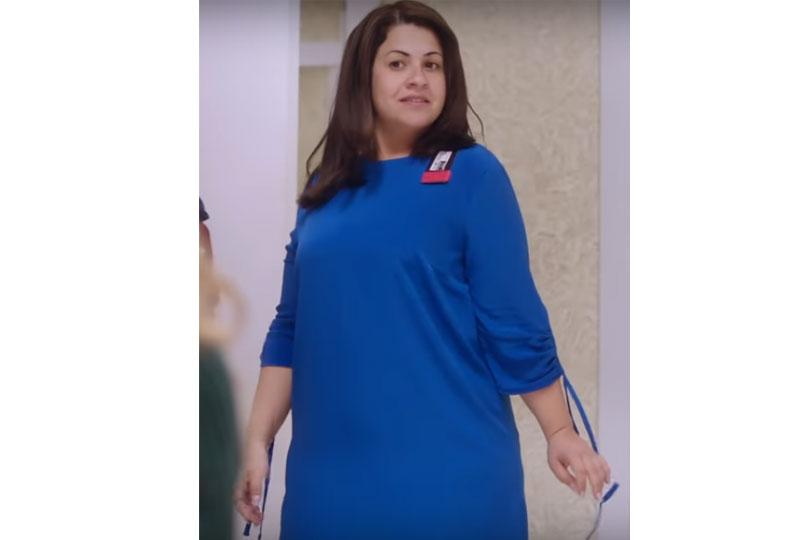 أزياء إنجي وجدان في مسلسل طلعت روحي بالفستان الأزرق
