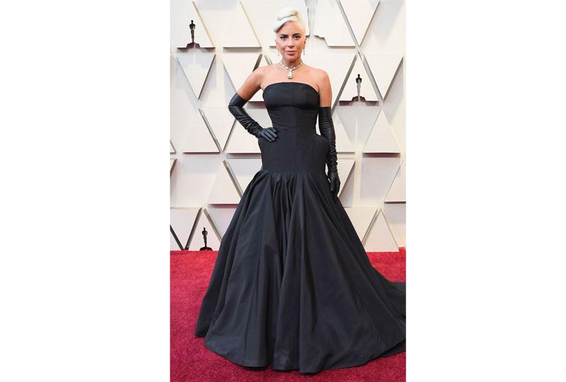 فساتين الأوسكار 2019 فستان ليدي جاجا