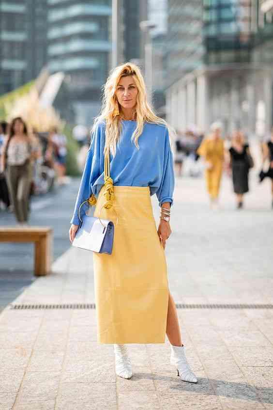 اللون الأزرق مع الأصفر