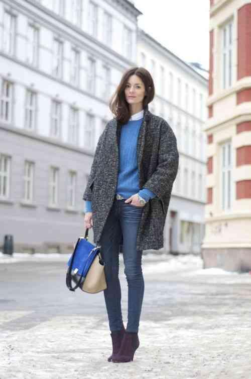 تنسيق اللون الأزرق في الملابس مع الرمادي
