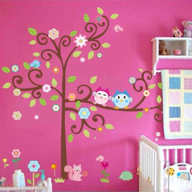 ورق حائط ملون لغرف الأطفال