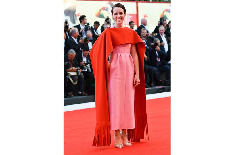 فستان وردي في مهرجان فينيسيا 2018