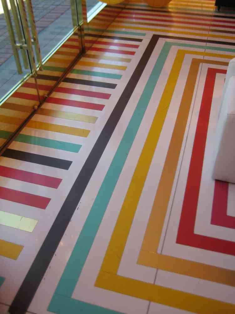 ألوان دهان خشب الأرضيات