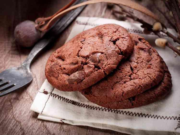 طريقة عمل البسكويت بالشوكولاتة