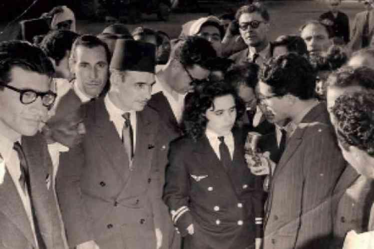 اول امراة مغربية تقود طائرة